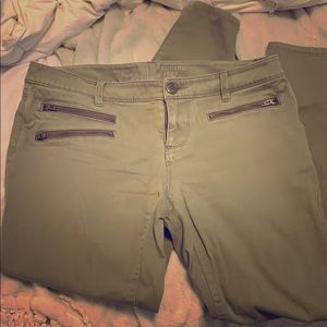 THE LIMITED OLIVE GREEN JEGGINGS